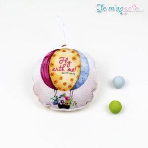 Μπομπονιέρα-βάπτισης-μαξιλαράκι-με-θέμα-αερόστατο